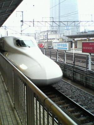 名古屋駅に到着するN700系のぞみ26号(東京行き)